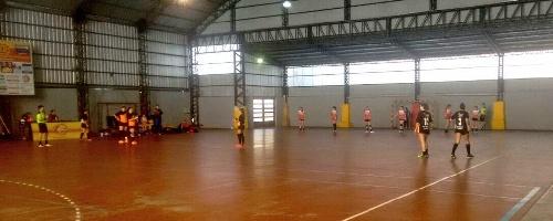 Handball Femenino - Las juveniles del Cef 83 cayeron ante Río Ceballos.