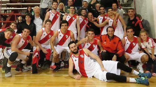 Basquet Federal - Gran triunfo de River Plate ante Ramos Mejía - 2 puntos para David Fric.