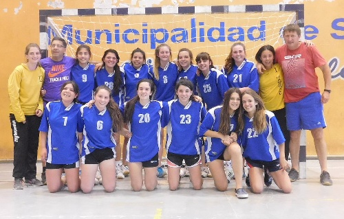 Handball Femenino . Absoba derrotó al equipo de Asambal y se coronó campeón.