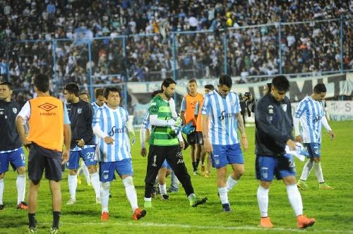Copa Bicentenario Tucumán - El Atlético de Leo González cayó ante San Martín por tres a cero en el clásico de la ciudad.