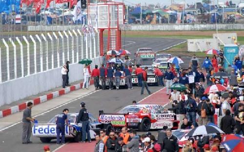 Turismo Carretera - Sergio Alaux se apresta para la competencia de Concepción del Uruguay este fin de semana.