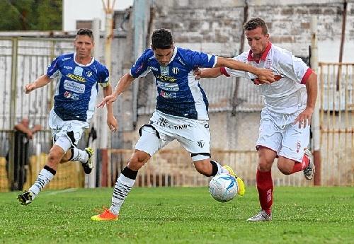 Liga del Sur - Liniers con Lagrimal derrotaba a Huracán cuando se suspendió el cotejo.