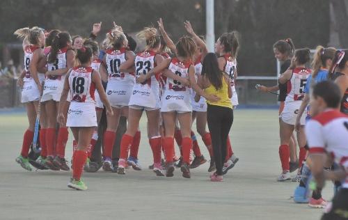 Hockey Bahiense Femenino  - Atlético Monte Hermoso con Ivana Masars se quedó con la Copa Anual - Despedida de su técnico.