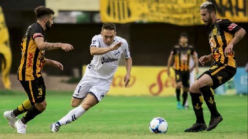 Nacional B - Quilmes con Leandro González empató con Mitre y sigue complicado en zona de descenso.