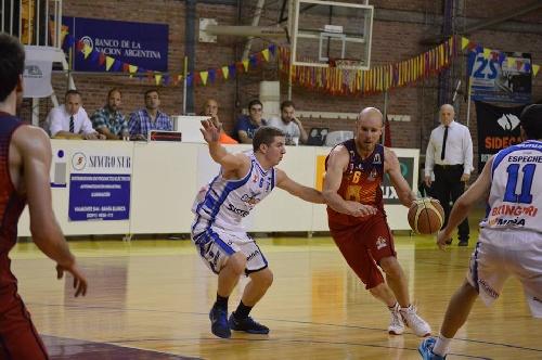 Federal Basquet - Derrota de Bahiense del Norte en Junín - 4 puntos de Silva.