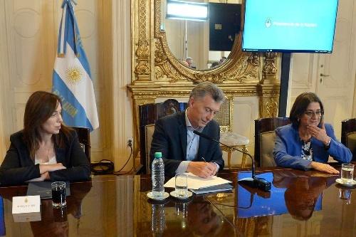 Se firmó el Pacto Fiscal y Provincia de Bs As se aseguró $100 mil millones hasta 2019