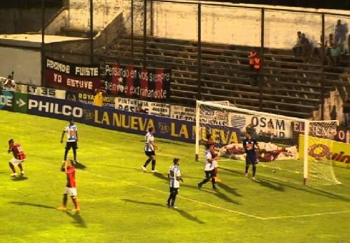 Nacional B - Empate de Juventud Unida en Gualeguaychú ante Douglas Haig - Martín Prost titular.
