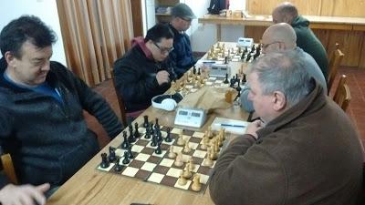 Ajedrez - Cuatro líderes en el campeonato oficial local.