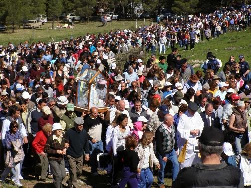 Miles de fieles convocados por la fe en la Virgen en la Ermita de Saavedra