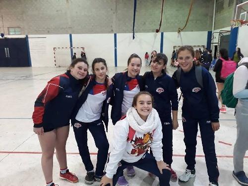 Handball -Chicas del Cef 83 representando a la Asociación participan de Torneo de Selecciones. .
