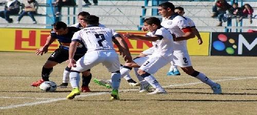 Nacional B - Martín Prost titular en el empate de Juventud Unida ante Independiente Rivadavia.