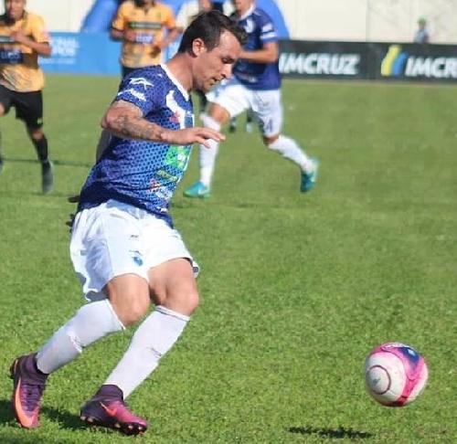 Futbol Boliviano - Martín Prost ingresó en el 2° tiempo en Sport Boys.