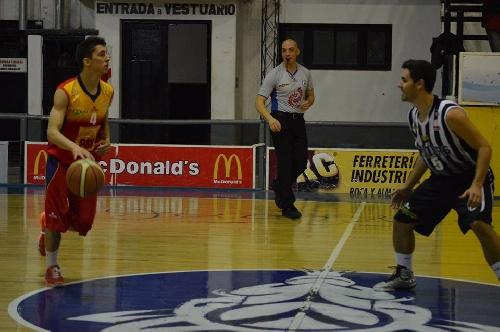 Liga Bahiense de Basquet. - Con 20 puntos de Esteban Silva, Bahiense cayó ante Liniers.