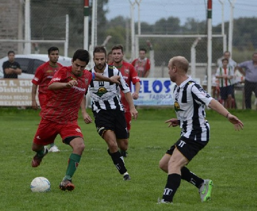 LRF - Deportivo Sarmiento venció a Blanco y Negro en partido adelantado de 1ra División.