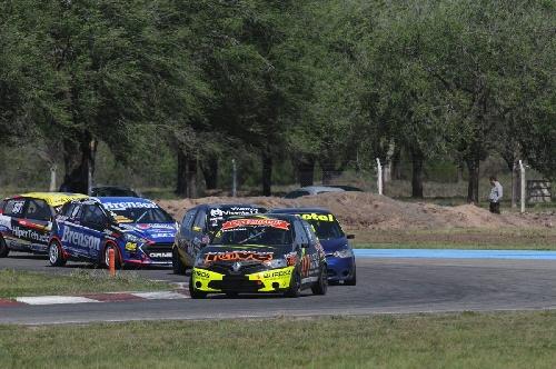 Turismo Pista Clase 3 - Antolín y Talamona largaran en la primera fila en la final del domingo.