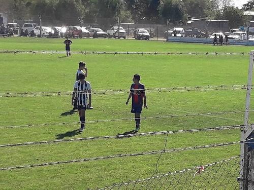 LRF - Inferiores - Sarmiento obtuvo dos victorias, un empate y una derrota recibiendo a Peñarol.