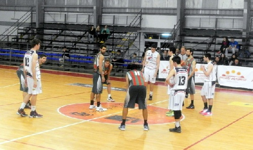 Basquet Tresarroyense - Derrota de Deportivo Sarmiento ante Monte Hermoso - 12 puntos de Damián Palma.