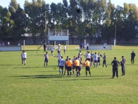 LRF - Deportivo cayó como local ante Tiro de Puán, Peñarol empató con Automo y Sarmiento le ganó a Racing en la primer fecha del Torneo.
