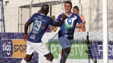 Fútbol Boliviano - Martín Prost anotó sobre el final para la victoria ante Blooming.