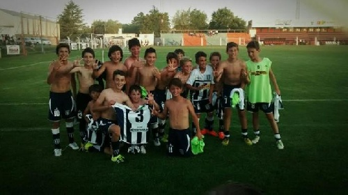 LRF Inferiores - Club Sarmiento en tres categorías va por la definición del Clausura.