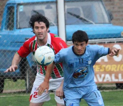Federal B - Estrepitosa derrota de Deportivo Sarmiento en Olavarría.