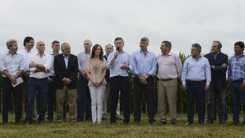 Mauricio Macri anunció una baja en las retenciones al sector agropecuario