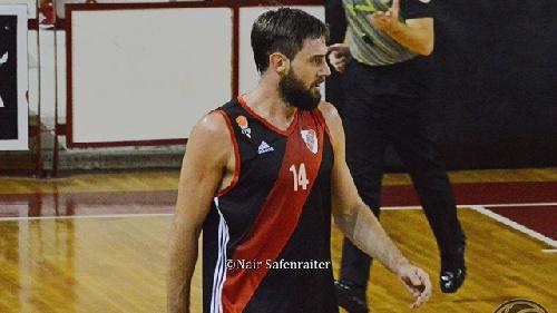 Basquet Federal - David Fric deja River Plate y es nuevo jugador de Ferrocarril de Concordia.