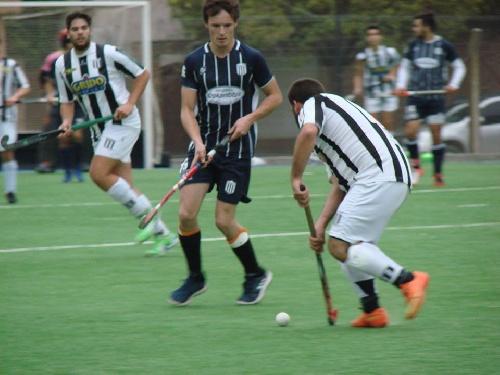 Hockey Masculino - Caídas de Club Sarmiento y del CEF 83 por la 8va fecha del Torneo Bahiense.