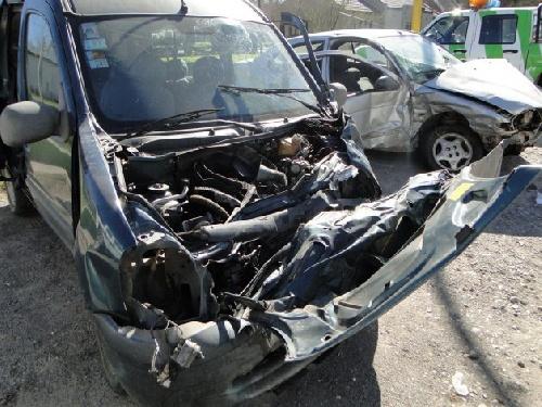 Seis heridos en un choque en el ingreso a Sierras Bayas  Joven piguense fuera de peligro Ocurrió a última hora del sábado.