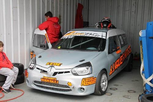Turismo Pista Clase 3 - Yerobi y Alcain encabezaran la grilla mañana en San Jorge - Emiliano González finalizó 5° en su serie.