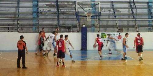 Basquet Valle Inferior - San Martín dirigido por Fiorido clasificó a semifinales.