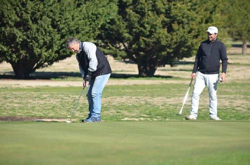 Golf - Fernando Bozbranny ganador en el club local de la Peña Hierro 5.