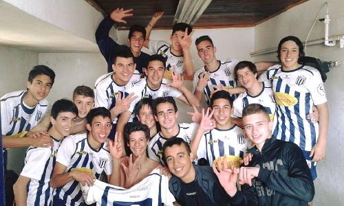 LRF Inferiores - Club Sarmiento clasificado a cruces del Clausura en tres categorías.