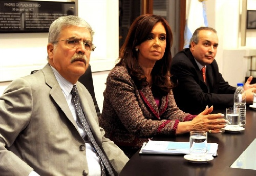 """LA CORRUPCIÓN ARGENTINA EN RITMO DE TRAGICOMEDIA Ya salió la cumbia de José López, """"El enterrador de dólares"""""""