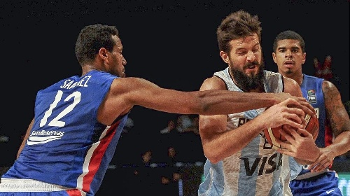 FIBA de las Américas - Preolímpico de básquetbol: Argentina venció a Dominicana 92-84 y sumó su 7ª victoria en fila