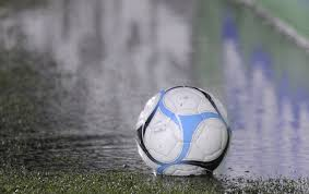 La lluvia obliga a que se suspendan los partidos de reserva y de inferiores programados para mañana.