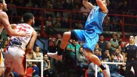 Liga Argentina - De Pietro descolló con 31 puntos ante Rocamora.