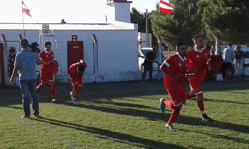 Liga Cultural Pampeana - Un gol de Joaquín Salvi para Deportivo Rivera que cayó ante Independiente de Doblas.