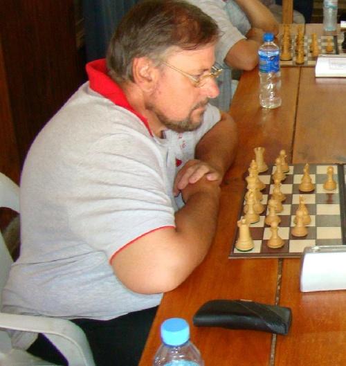 Ajedrez - Pablo Etchepareborda derrotó a Amadío y marcha puntero en el torneo local.