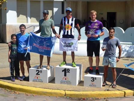 Atletismo - Franco Aguilar 3° en los 21 k del Seis Ciudades - Carhué.