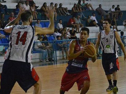 Basquet Provincial Entrerriano - Huracán de Villaguay de la mano de Fiorido clasificó a cuartos de final.