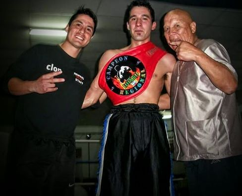 Box Amateur - Pelea sin decisión para Matías El Dañino Cabrera por herida en la ceja del rival.
