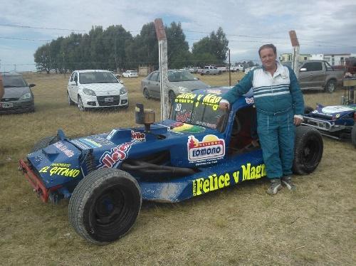 TC del 40 Del Sudeste - Ruben Guarino acompañado por Bobbio el más rápido del sábado.