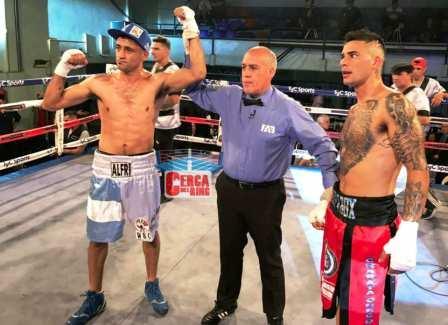 Box - Alfredo Blanco derrotó por knock out en el 1° round a Chaparro.