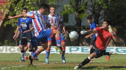 Liga del Sur - Liniers y Rosario Puerto Belgrano empataron en la Avda Alem - Lagrimal titular en el Chivo.