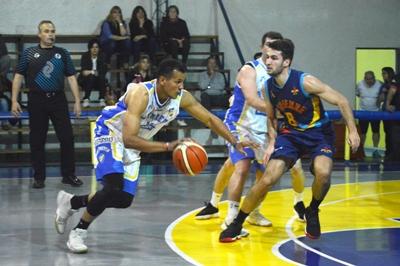 Basquet Bahiense - Bahiense cayó ante Pueyrredon y Liniers se afianza en la punta.