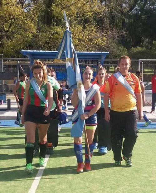 Hockey Femenino - Cef 83 y Club de Pelota y mandan en 1ra división.