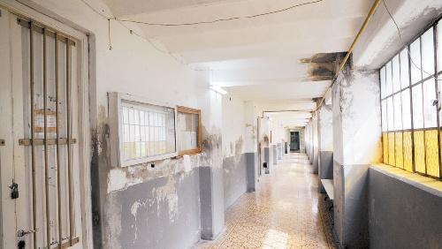 Hospitales públicos, íconos de la Provincia, en ruinas