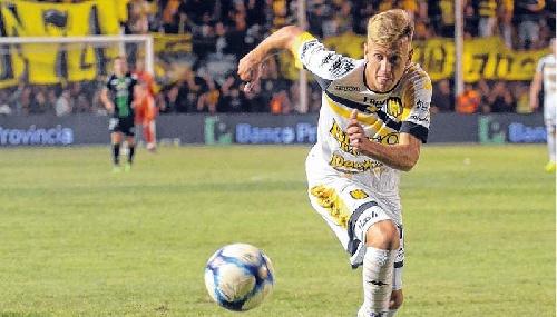 AFA - 1ra División - Matías Mayer con pasado en inferiores de San Martín de Saavedra debutó en Olimpo.