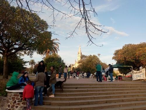 Segundo dia de paro docente en Pigüé con actividad en Plaza San Martin
